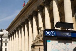 france, Paris, bouche de metro devant la bourse